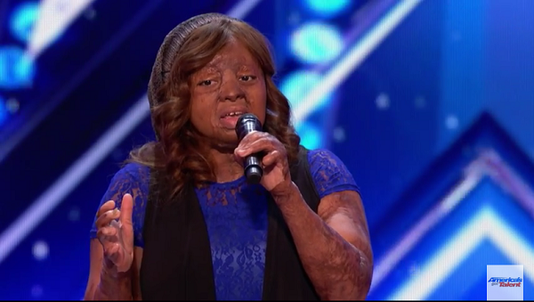 2005-sosoliso-plane-crash-survivor-kechi-okwuchi-wows-at